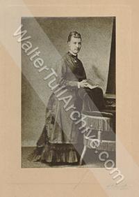 Studio photograph of Alice Palmer